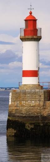 <h5>Groix : Les Phares de Port Tudy (56)</h5><p>Dyptique 2 Photos 22,8 cm x 70 cm. Photo sur fond aluminium laqué blanc</p>